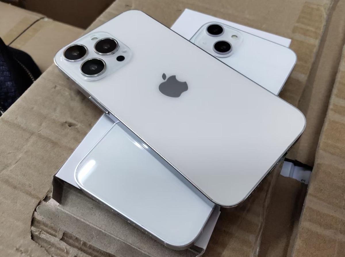iPhone 13, la marcia dei cloni con notch e fotocamere rivisti