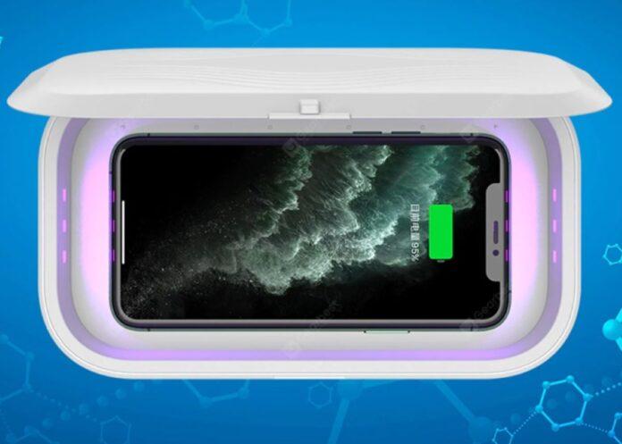 Sterilizza e carica smartphone a soli 11 euro con la base a UV
