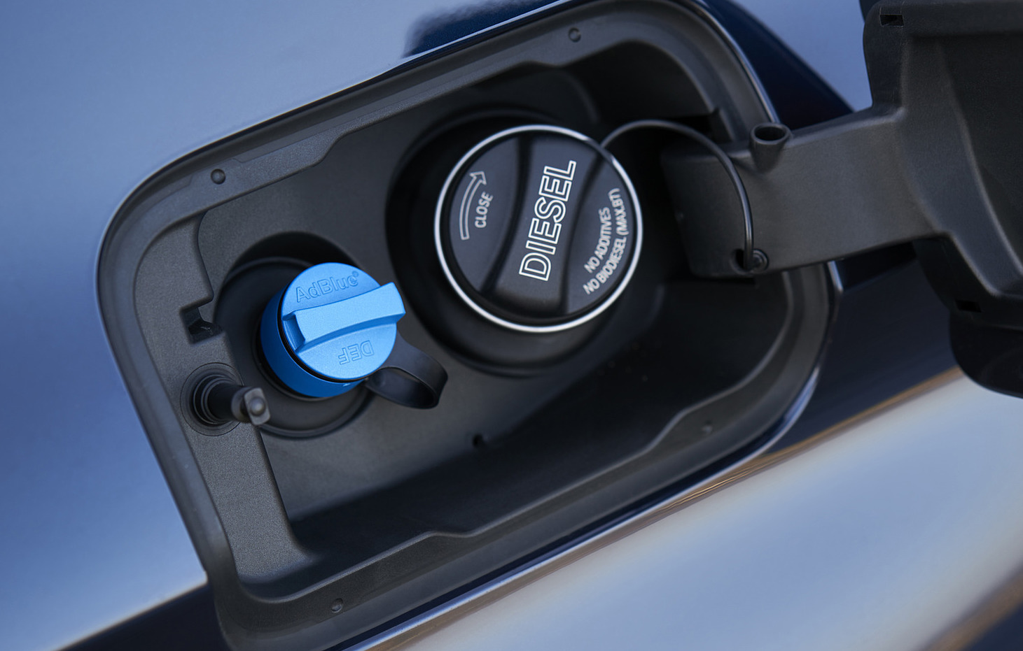 L'UE multa BMW e VW per 1 miliardo di dollari per aver limitato la tecnologia di riduzione delle emissioni
