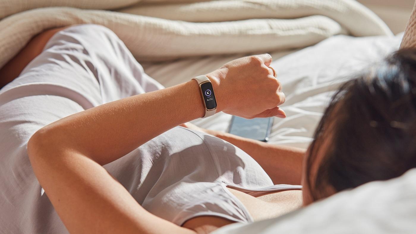 Fitbit Luxe è l'alleato per il benessere delle donne