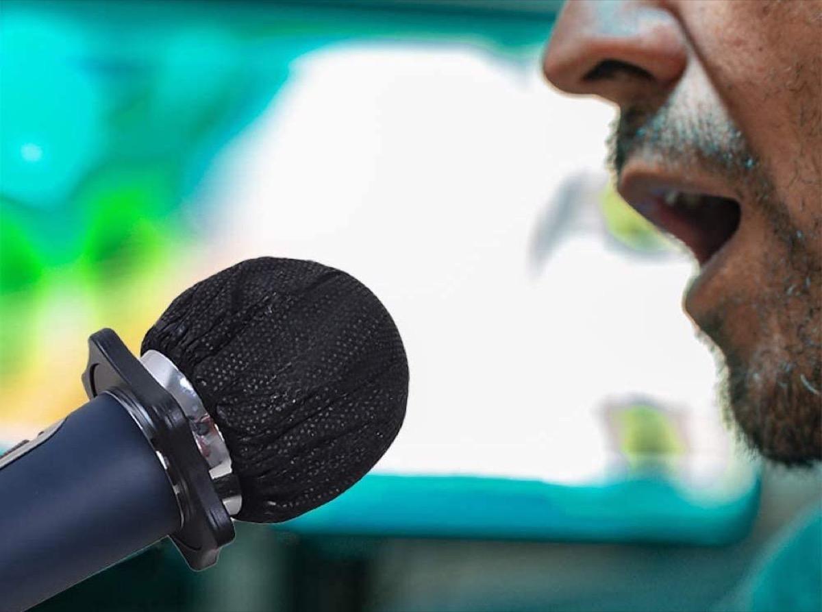 mascherina microfono