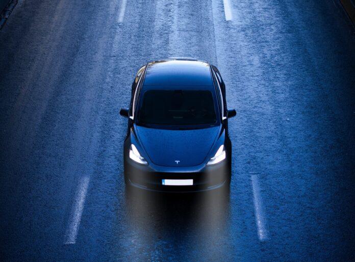 Tesla Autopilot è sotto indagine per incidenti