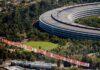 L'EFF ha sventolato uno striscione sull'Apple Park per contestare Apple